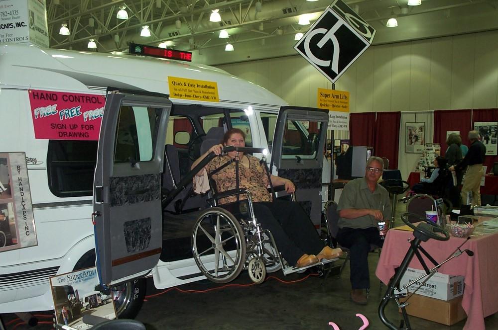 Wheelchair lift for van using BlockDivision pulley block system